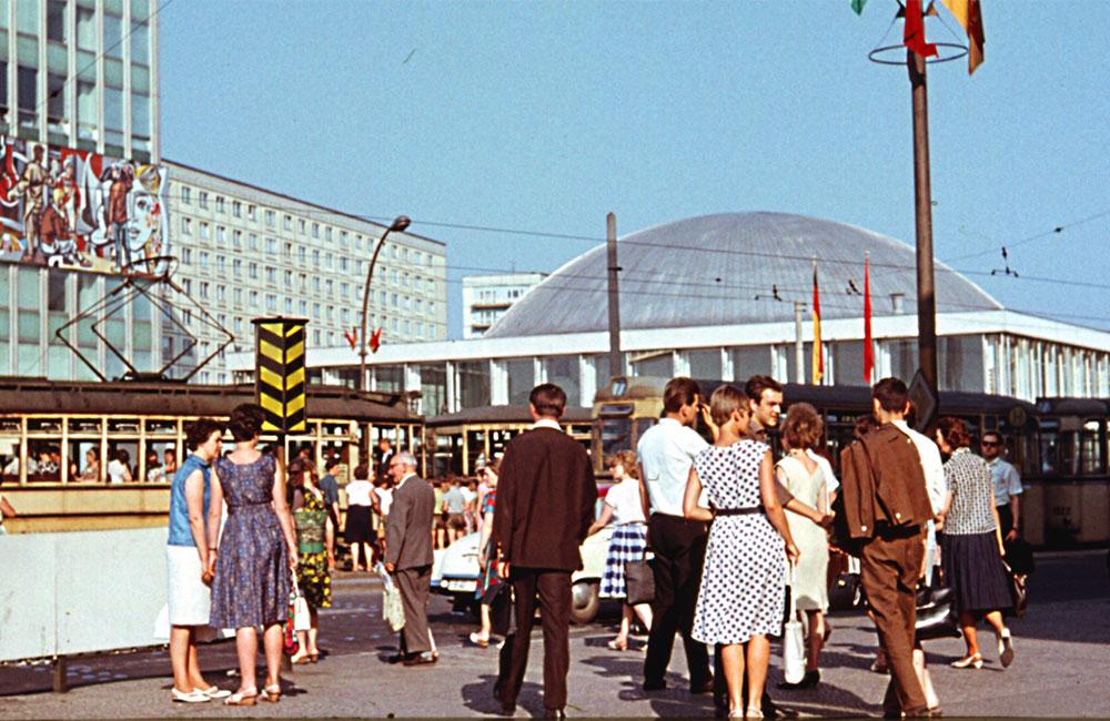Ost-Berlin In Den 60ern Und Heute
