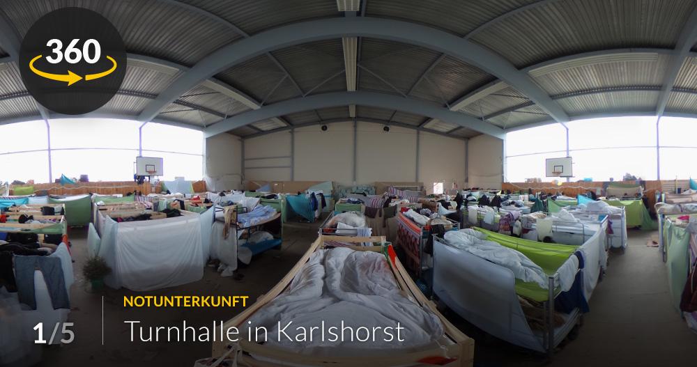 turnhalle hotel container so leben fl chtlinge in berlin. Black Bedroom Furniture Sets. Home Design Ideas
